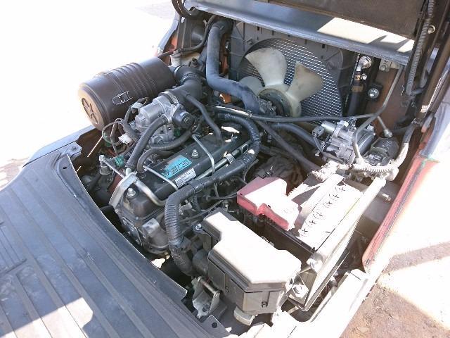 Xe nâng ga Toyota 02-8FG15, 2011