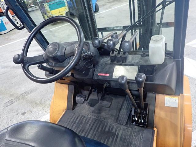 xe- nang-toyota-7FD30
