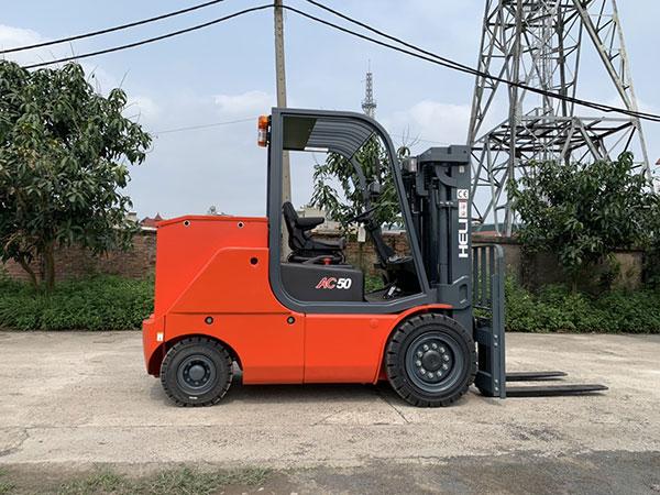 Xe nâng điện 5 tấn