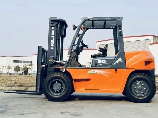 Xe nâng 5 tấn Heli G series lắp động cơ Isuzu 6BG1