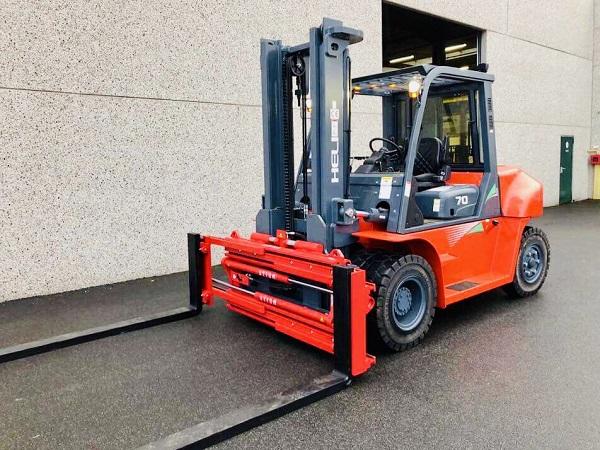 Xe nâng 7 tấn lắp bộ dịch càng positioner